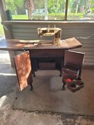 Vintage Singer Sewing 401a Machine In Cabinet