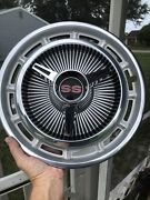 """One Genuine 14"""" 1965 Chevy Impala Chevelle Super Sport Spinner Hubcap"""