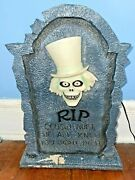 Disney Haunted Mansion Tombstone Light Up - Hatbox Ghost / Cousin Huet