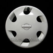 Nissan Quest 15andquot Hubcap 1993-1995 - Professionally Reconditioned