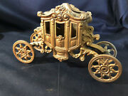 Old Vtg Collectible Cast Iron Jm 239 Iron Art Carriage Lamp Base W/ Lifting Lid