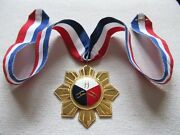 Order Philippines Badge Of Honor For Art And Science At Collar