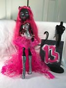 Monster High Catty Noir Exclusive Friday The 13th Doll 2013 Complete Set