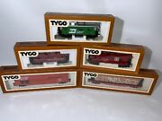Vintage Ho Tyco Train Model Railroad Lot Freight Car Log Car And 3 Cabooses