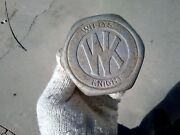 Willys Knight Hubcap  1930 - 1925 Nos