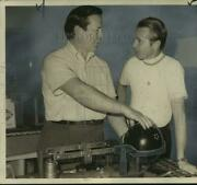 Press Photo Clyde Scotty, Paddock Manager, Weighs Dick Weber's Bowling Ball