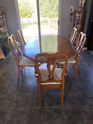 Ethan Allen Country French Dining Table Round 2 Leaves Birch 26-6304 With 5 Cha