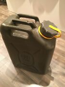 New Scepter Olive Drab Military Diesel Can With New Spout Mfc 5 Gallon / 20 L