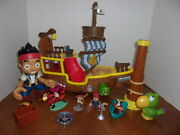 Disney Jake And The Neverland Pirates Large Ship With Lot Of Figures I.d.r-9164