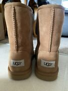 Uggs Classic Short Size 6y Will Fit Womens Size 8 Free Shipping