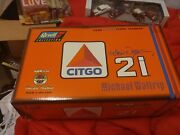 New Revell Collection 1998 Citgo Ford Taurus 124 Diecast Michael Waltrip 21