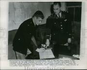 1955 Press Photo Paul Giel Of Ny Giants Enrolls In Student Officers Detachment