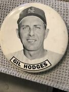 Gil Hodges / New York Mets / Brooklyn Dodgers / Pinback , Button, Pin / 3.5 Inch