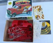 Vintage 1979 Mpc Red Stunt Van Model Kit 1-0431 Ford 4x4 1/25 Scale Rare