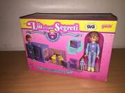 Galoob Secret Places Family Room In A Tv With Dolls Mib, 1990