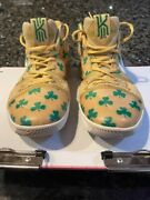 Nike Kyrie 3 Luck Size 7