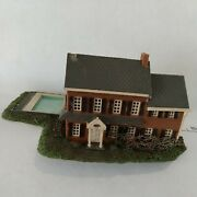 N Scale Building House 2 Story Brown Stone, Gray Roof, Large Pool, Grass Built