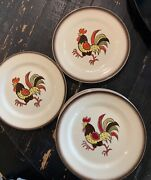 """Vintage 9 Piece Set Metlox """"poppytrail"""" Red Rooster Pottery Dinner Plates 10"""