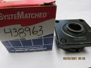 New Omc Oem Johnson Evinrude Driveshaft Bearing Housing And Seal Assembly 438963