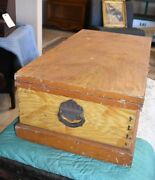 1800and039s Antique Dovetailed Wood Carpenterand039s Tool Box Chest