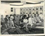 1971 Press Photo United Fund Leaders And Loaned Executives Begin Session