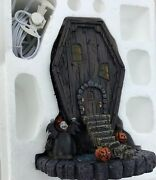 Extremely Rare Nightmare Before Christmas Hawthorne Village Coffin House