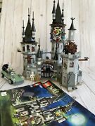 Lego Monster Fighters Vampyre Castle 9468 W/ Minifigs And Manual - Retired