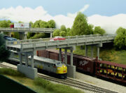 Ho Early Highway Overpass With Piers 150' Bridge W/4 Piers Kit 628-0103