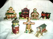 Vtg 7 Christmas Village Houses Cobblestone Corner Collectibles And More Lot 3