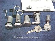 New Door And Ignition And Storage Lock Set With Keys Mack Truck Ch Model 1988 And Up