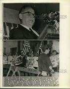 1966 Press Photo American Communist Partyand039s Gus Hall Speaks Among Pickets In Ny