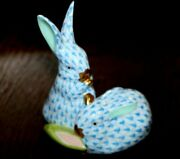 Herend Blue Fishnet Pair Of Bunny Rabbits With Ear Of Corn Trimmed W/ 24kt