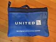 Htf United Airlines/hitwear Collectible Zipper Pouch/bag Fleece Travel Blanket