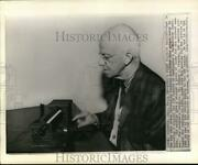 1963 Press Photo Dr. Sidney Pressey With His New Learning Machine In Columbus