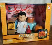 Memory Lane Lucy At The Halloween Party Set Peanuts, Snoopy Mip New In Box