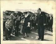 1964 Press Photo Greece's King Paul, Queen Frederika Greet Youngsters On Tour