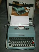 Vtg 1976 Olivetti Lettera 32 Manual Typewriter W/ Case Made In Italy Works