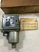 Square D 9012 Acw-3 Industrial Pressure Switch Series B 5-5.5 Psi New 09s