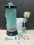 Monster High Dead Tired Lagoona Blue Doll And Hydration Station Playset - Read Des