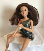 Victorious Victoria Justice Tori Vega Battery Operated Singing Doll Nickelodeon