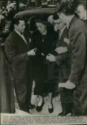 1950 Press Photo Mrs. Erle Jolson Is Escorted To Husbandand039s Funeral Hollywood