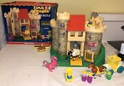 Vintage Fisher Price Little People 993 Play Family Castle Complete + Box Nice
