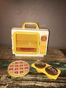 1982 Child Guidance Scented Magic Glow Oven Toy Baking Cooking Playset