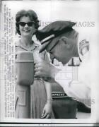 1962 Press Photo Lt. Frank Kennedy Tried To Remove A Ring From A Parking Meter.