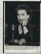 1954 Press Photo Mrs.victoria Stone In The Witness Chair. - Rsg78471