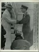 1964 Press Photo Pope Paul Vi Is Greeted By King Hussein Of Jordan On Arrival