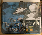 Sdcc Twilight Zone Kanamit Figure To Serve Man Lunch Box Cook Book Mint Sealed