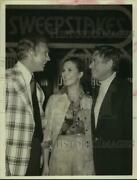 Press Photo Actress Cynthia Hayward With Actor Glenn Ford And Guest At Event