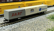 N Scale Flat Container Freight Car With Mtl Knuckle Couplers.