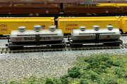 N Scale Tri-domed Tank Freight Car Lot With Mtl Knuckle Couplers. Lot 1